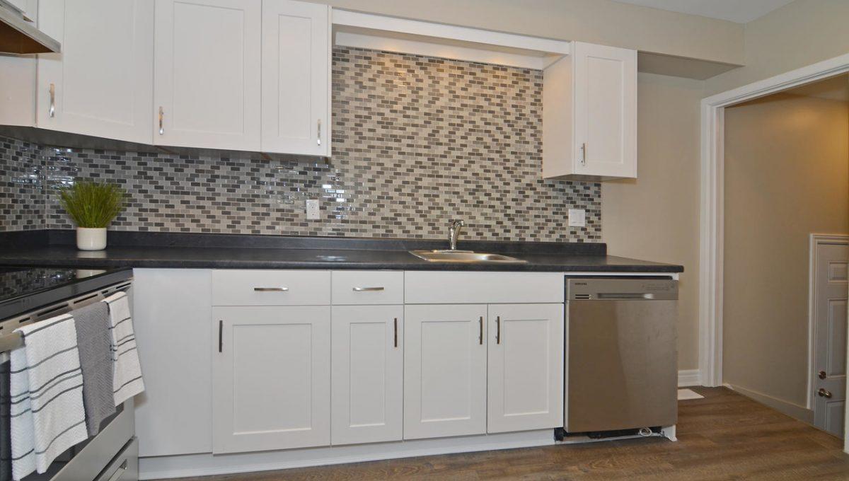 Model HomeDuplex-large-008-9-Kitchen-1500x994-72dpi-X2
