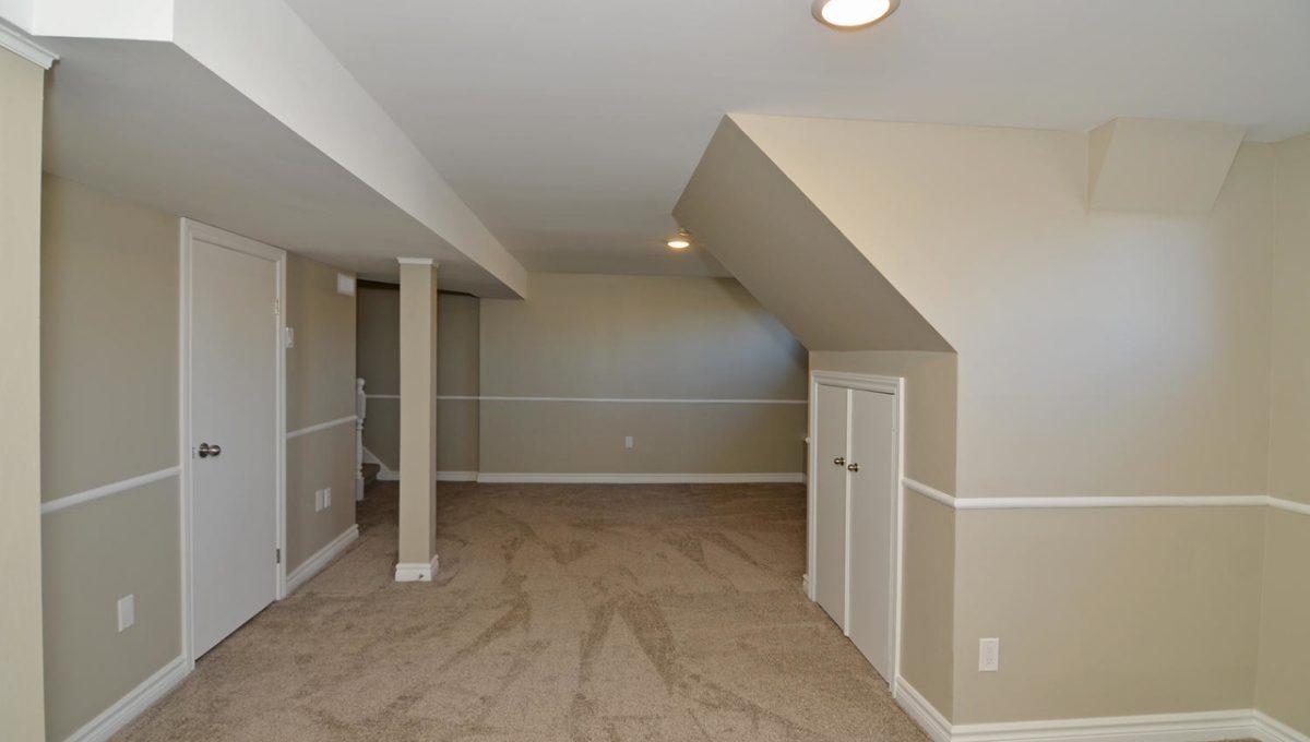 Model HomeDuplex-large-018-20-Family Room-1500x994-72dpi-X2