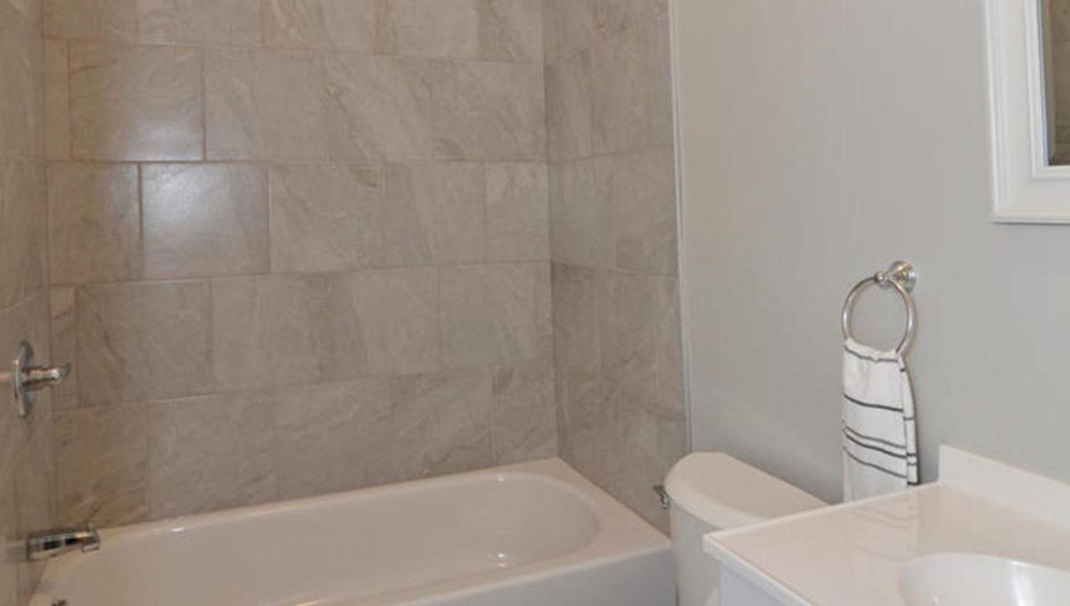 188 Trowbridge Ave Unit B-large-007-5-Main Bathroom-663x1000-72dpi