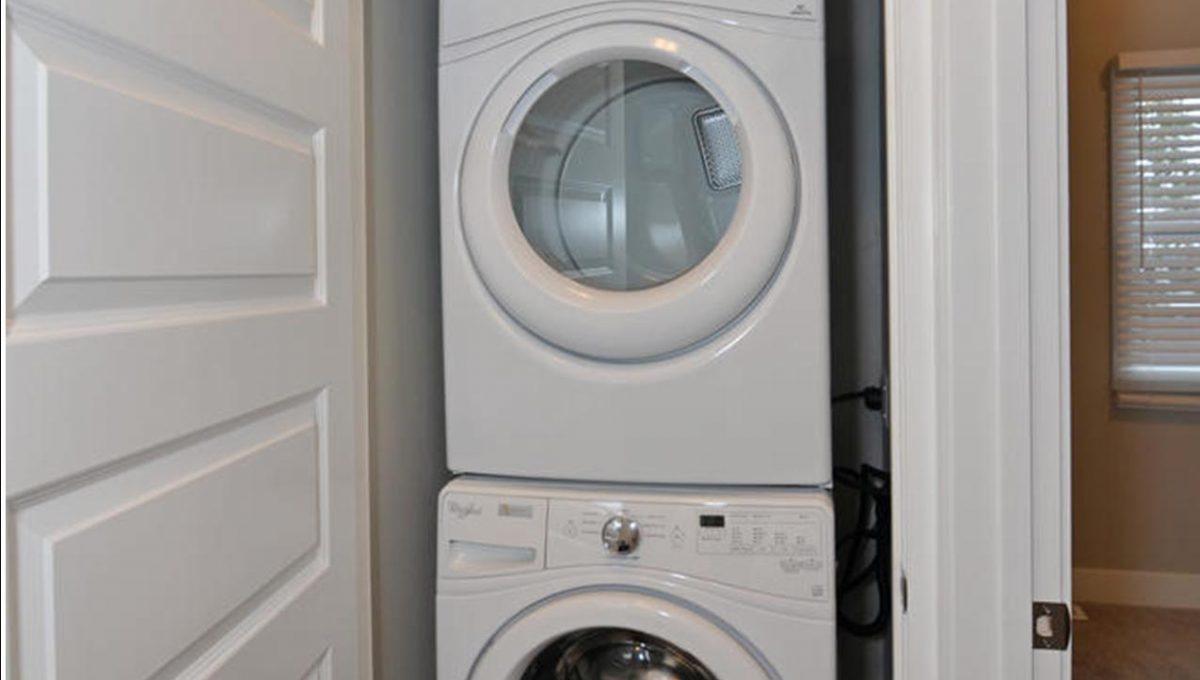 188 Trowbridge Ave Unit B-large-014-1-Laundry Room-663x1000-72dpi