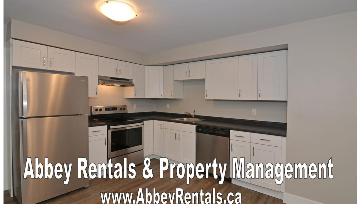 261 Cairn St Unit A London ON-large-009-21-Kitchen-1500x994-72dpi-X2