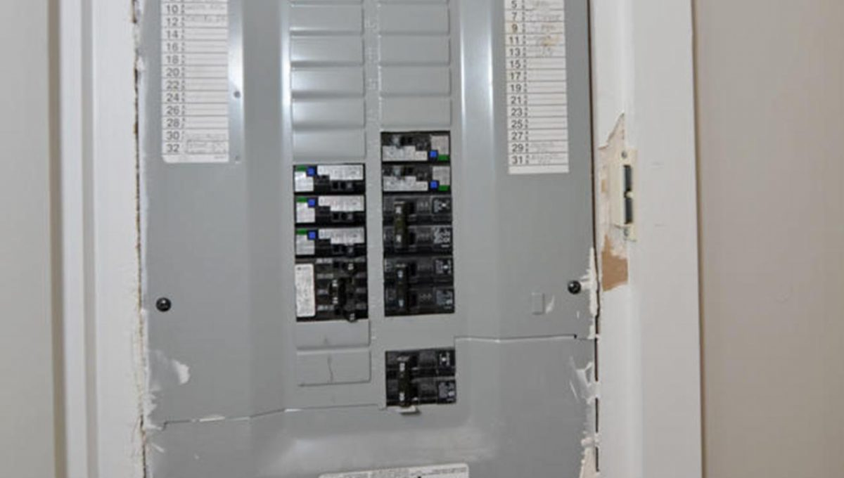 371 Vesta Pl Unit B London ON-large-022-6-Electrical Panel-663x1000-72dpi