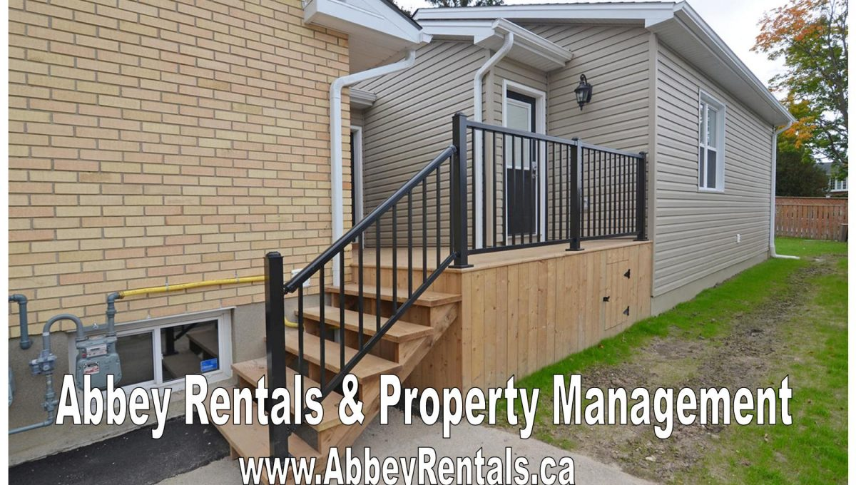261 Cairn St Unit B London ON-large-003-3-Front Entry Detail-1500x994-72dpi-X2