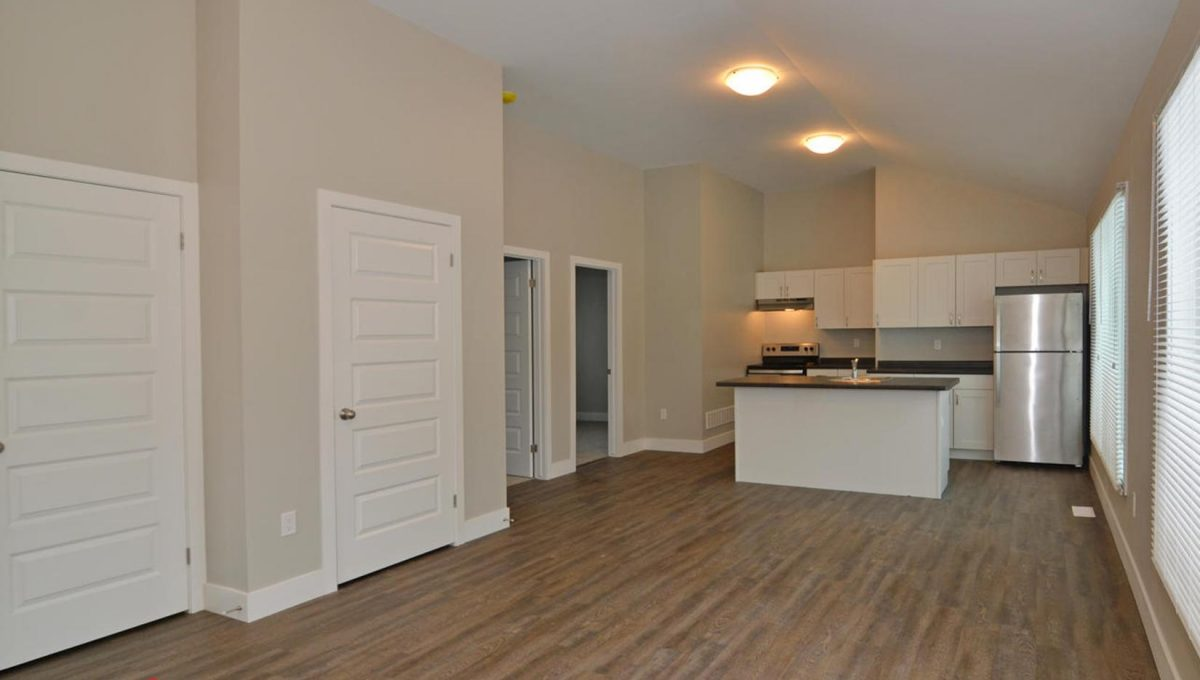 371 Vesta Pl Unit B London ON-large-009-13-View into KitchenLiving Room-1500x994-72dpi