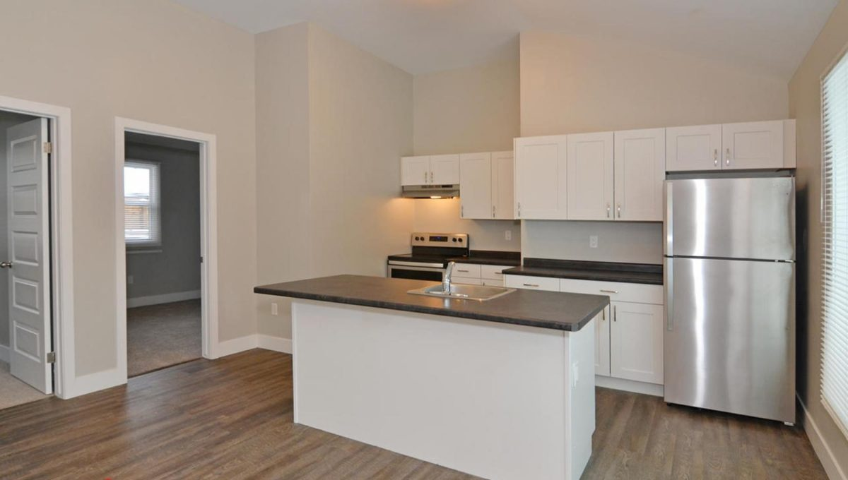 371 Vesta Pl Unit B London ON-large-010-14-KitchenBreakfast Area-1500x994-72dpi