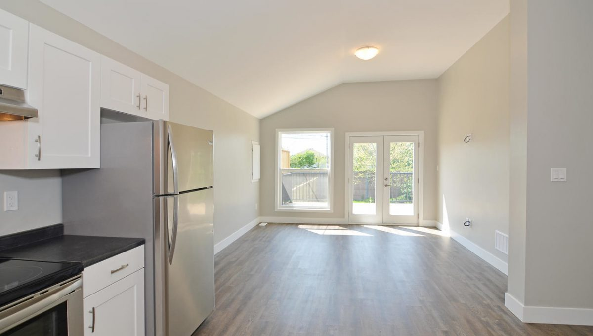 17 Goldwick Crescent London ON-large-031-38-View to Living Room-1500x994-72dpi-X2