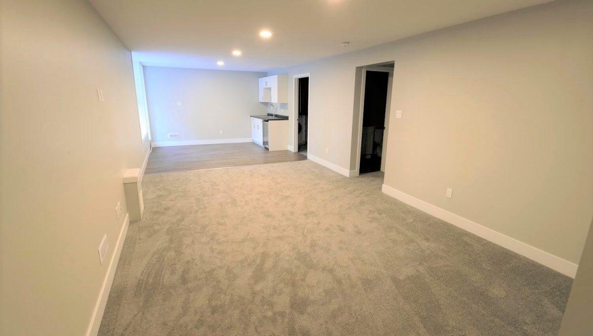 253 Cambridge St London ON N6H-large-024-004-basement living room-1500x1000-72dpi