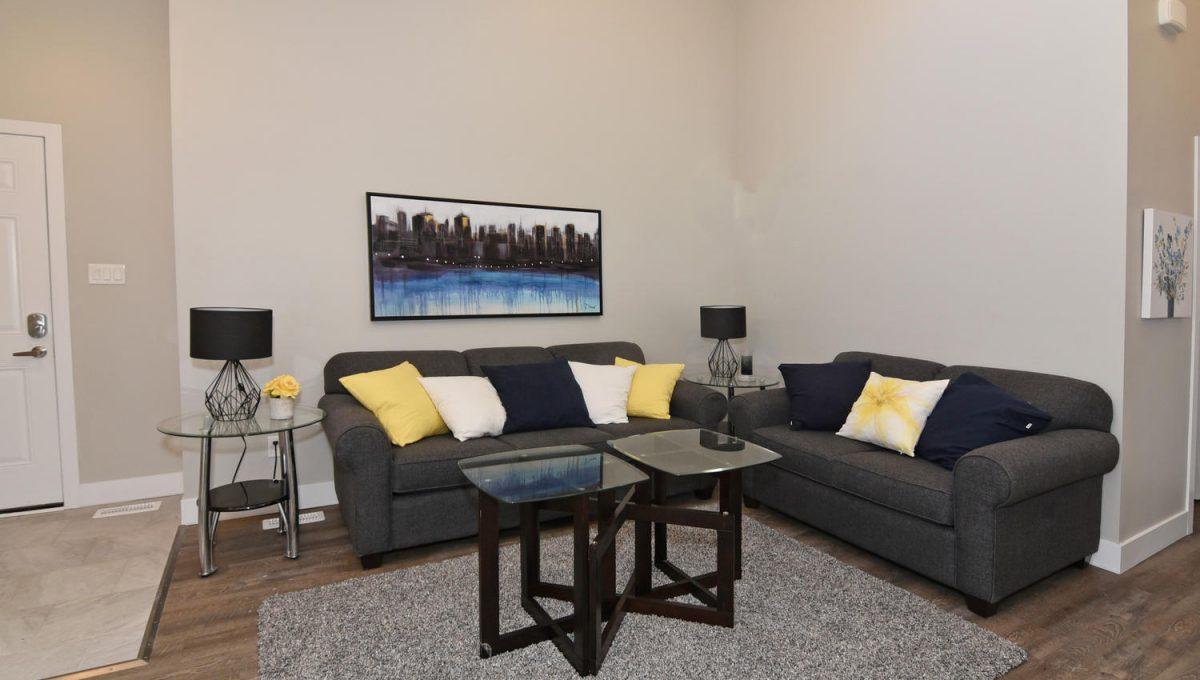 21 Arcadia Crescent Units A-large-036-078-Living RoomUnit B-1500x1000-72dpi