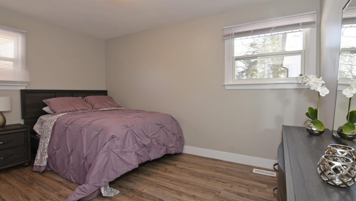 21 Arcadia Crescent Units A-large-015-058-Bedroom 2Main Unit-1500x1000-72dpi