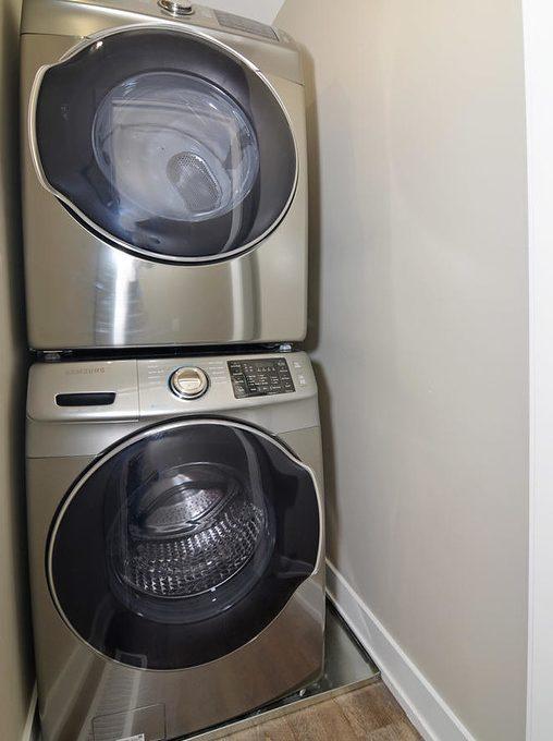 346 Regal Dr London ON N5Y 1J4-large-053-26-346 Regal DrRear Unit Laundry-663x1000-72dpi-XL